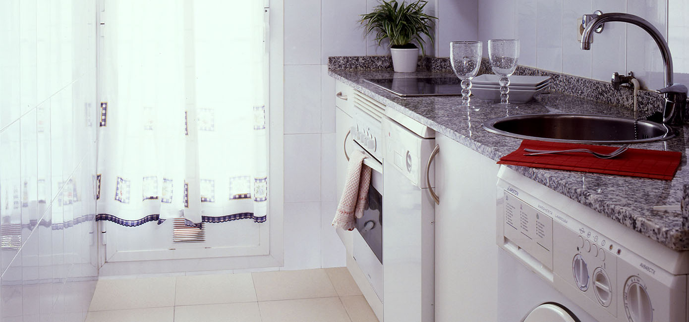 Kitchen PROINCA apartment for rent dulcinea 25 Madrid