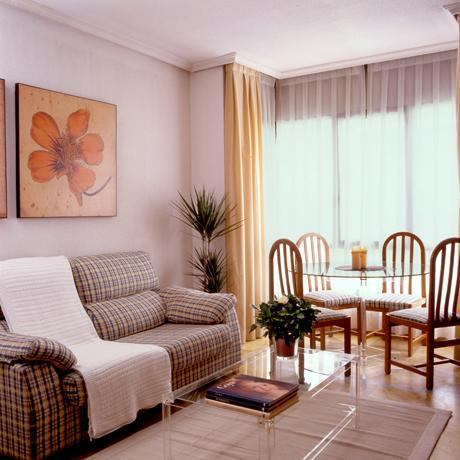 Dining room of the apartment for rent in Madrid in the Proinca Lerida Building