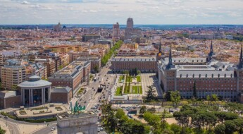Argüelles-Moncloa is one of the most complete neighborhoods in the city of Madrid with important business centers and residential buildings